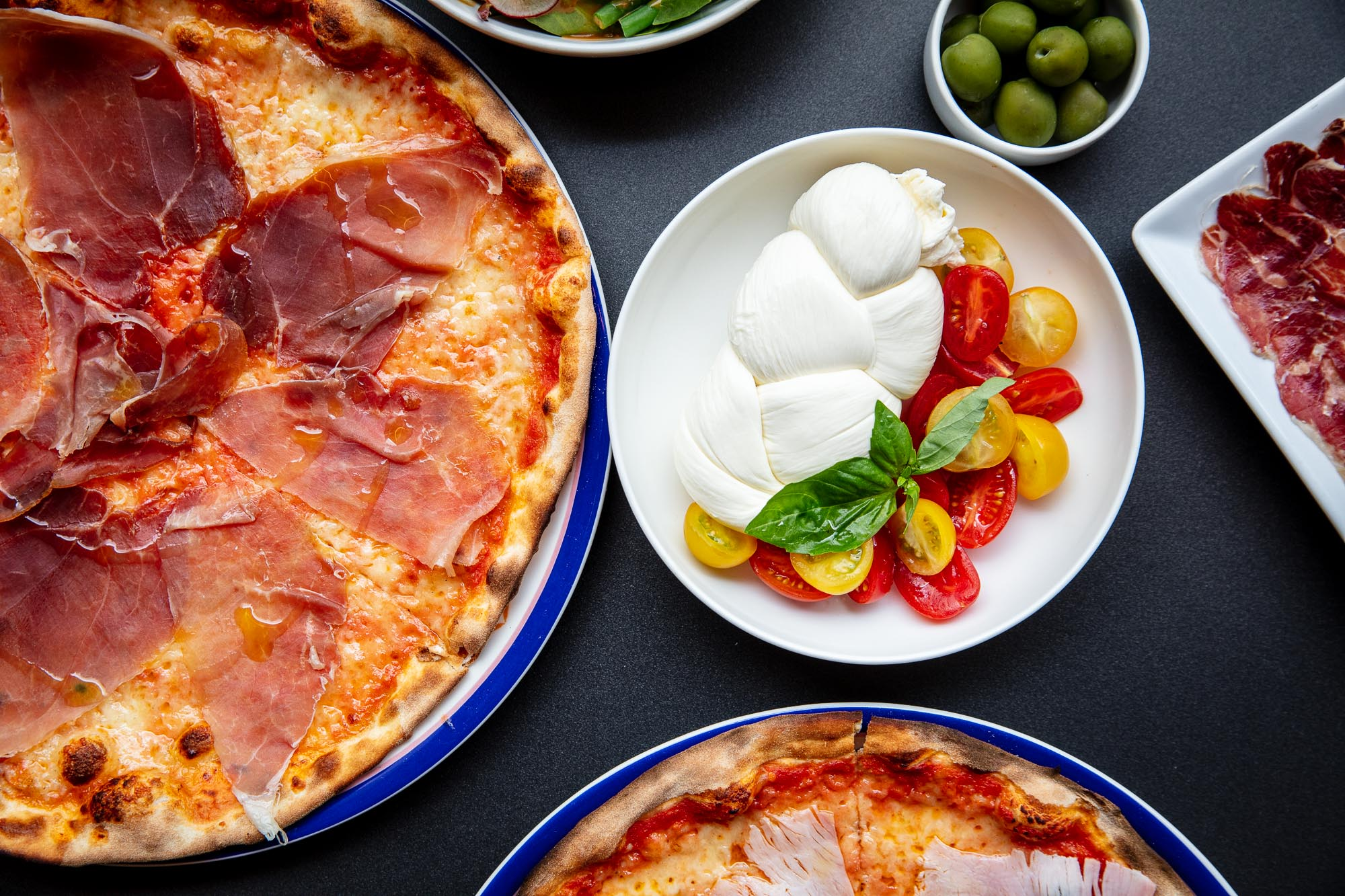 Crazy-Pizza-dishes